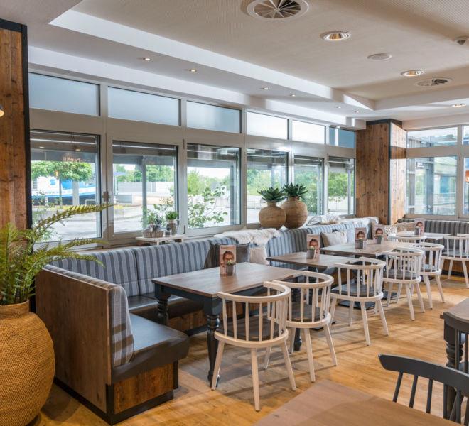 Sitzeecke im Kanne Café in Duisburg