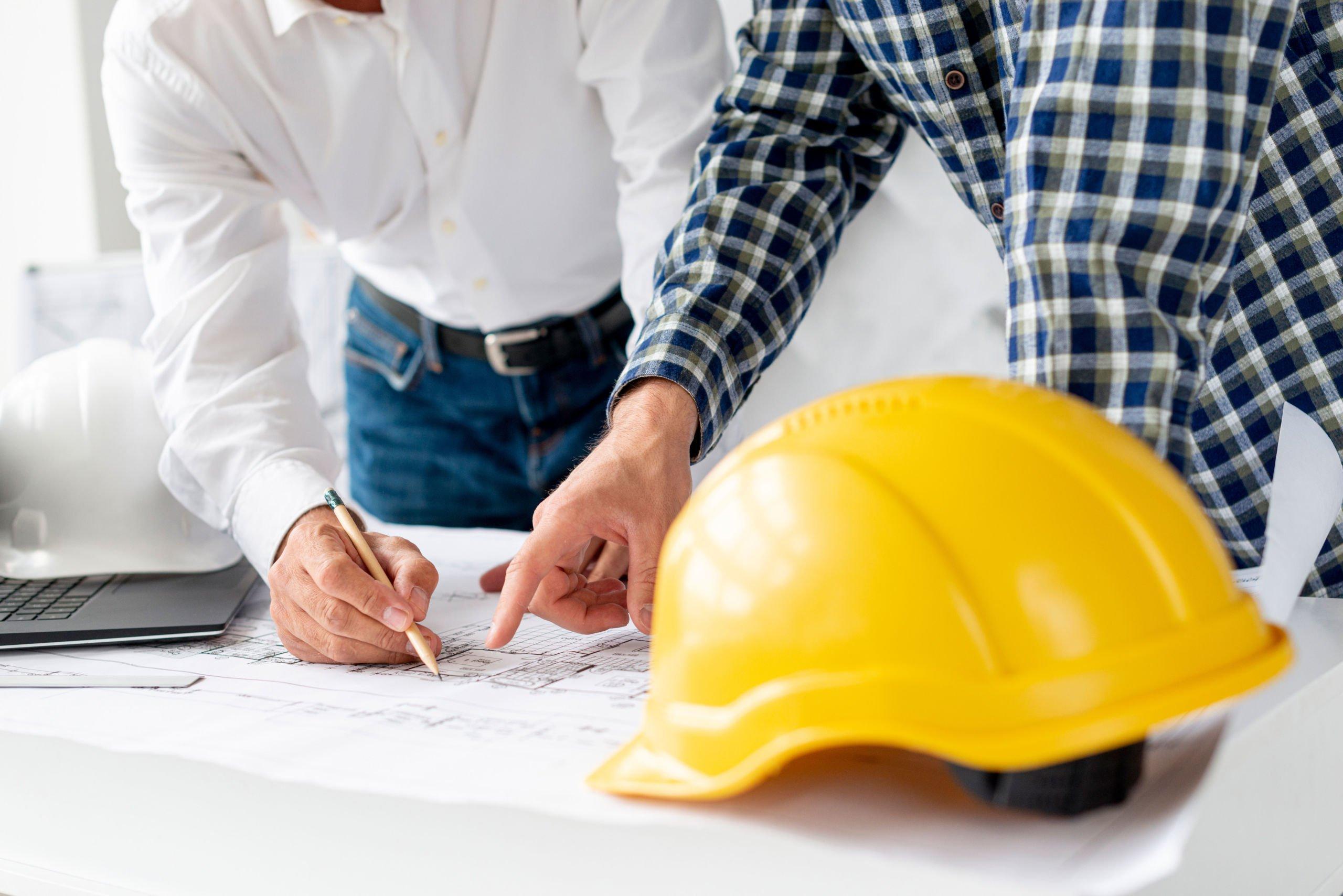 Architekten besprechen Projekt